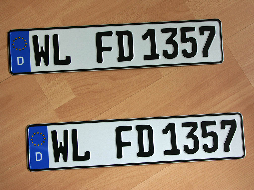 License plates for Landkreis Harburg (district town: Winsen/Luhe), Germany.